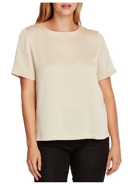 Vince Camuto rumple hammered satin tee in lt stone