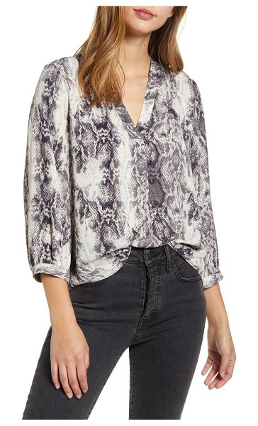 Vince Camuto snake print rumple blouse in rich black