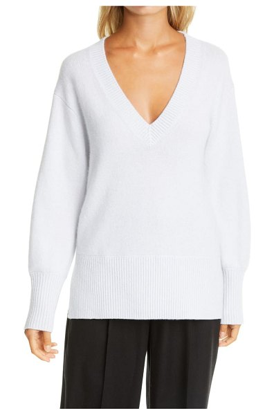 Vince ribbed v-neck cashmere tunic sweater in heather powder blue