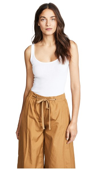 Vince scoop neck tank in white