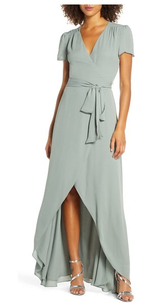 Wayf the zoey short sleeve wrap gown in moss
