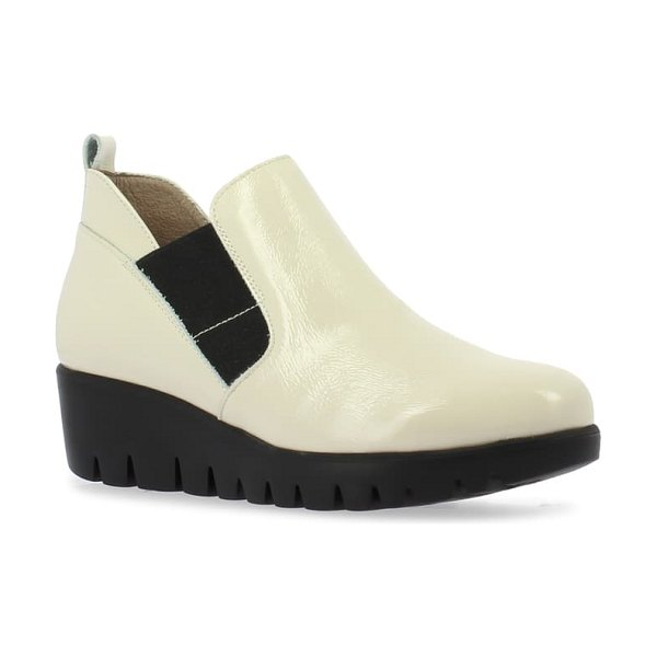 WONDERS c-33176 chelsea boot in white tumbled patent leather