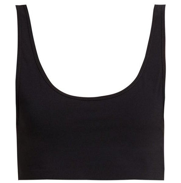 WONE technical sports bra in black