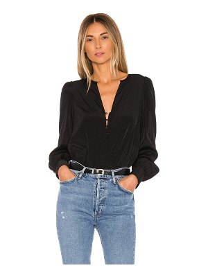 1. STATE button detail blouse