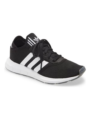 Adidas swift run x sneaker