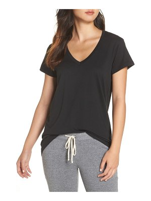 Alternative everyday v-neck tee