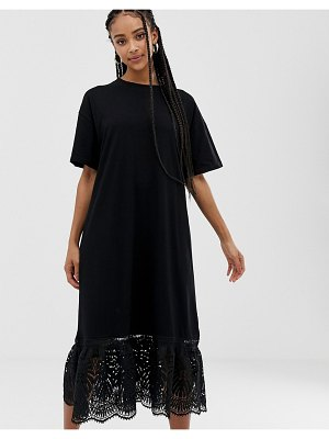 Amy Lynn short sleeve shift dress with lace detail