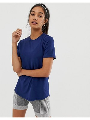 ASOS 4505 soft touch t-shirt with dolphin hem
