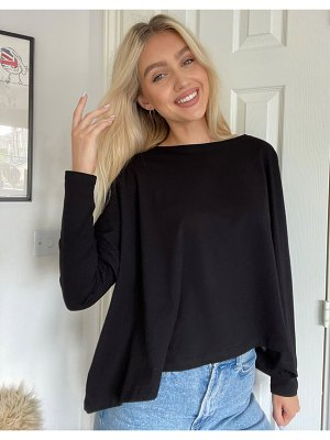 ASOS DESIGN slouchy top with batwing sleeve in black