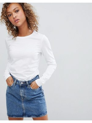 ASOS DESIGN ultimate top with long sleeve and crew neck in white