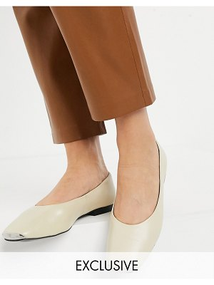 ASRA exclusive fleur flat shoes with toe cap in bone leather-cream