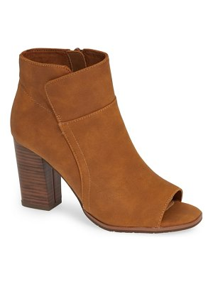 BC Footwear scale bootie