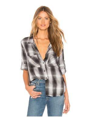 Bella Dahl two pocket fray hem shirt