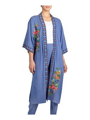 Berek Chic and Relaxed Floral Embroidery Kimono