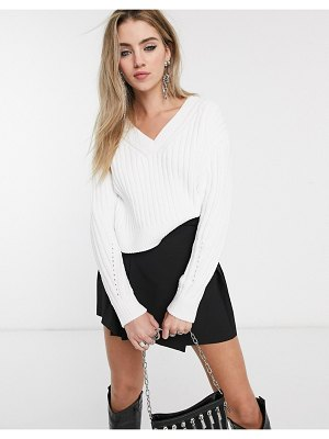 Bershka v neck sweater in white