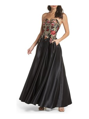 Blondie Nites embroidered applique strapless ballgown
