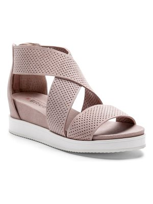Blondo cassie waterproof sandal