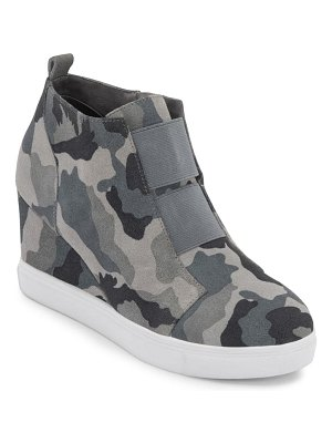 Blondo gizella waterproof wedge sneaker