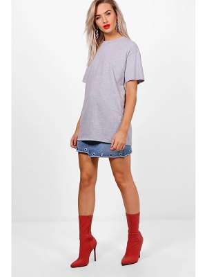 Boohoo Basic Oversized Boyfriend T-Shirt