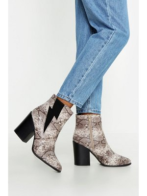 Boohoo Block Heel Pointed Toe Shoe Boots