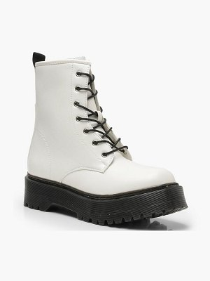 Boohoo Chunky Lace Up Hiker Boots
