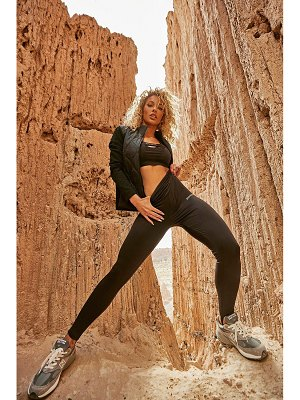 Boohoo High Shine Body Contour Active Legging