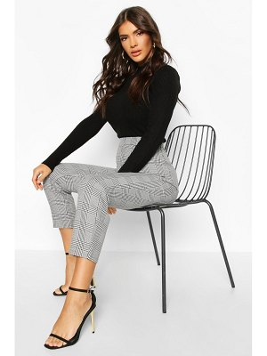 Boohoo Prince Of Wales flannel Tapered Trouser