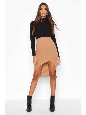 Boohoo Ruched Side Split Front Midi Skirt