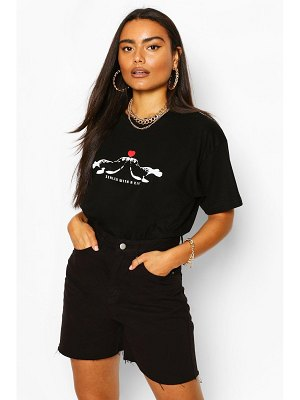 Boohoo Sealed With A Kiss Graphic T-Shirt