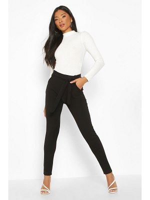 Boohoo Tapered Leg Trouser With Tie Belt And Pocket