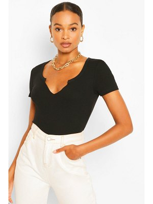 Boohoo V Neck Cut Crew Neck T-Shirt