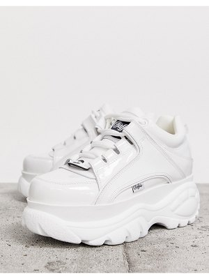 Buffalo london classic lowtop sneakers in white patent