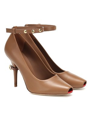 Burberry jermyn leather pumps