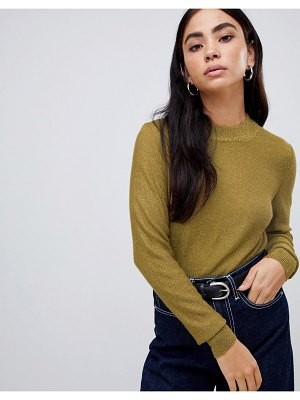 b.Young high neck sweater