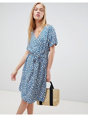 b.Young printed wrap dress