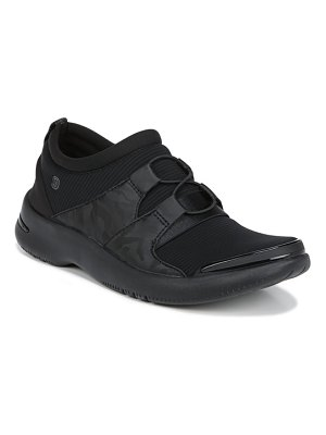 BZEES anytime cloud technology sneaker