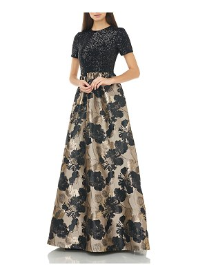 Carmen Marc Valvo Infusion Short-Sleeve Sequin-Bodice with Pleated Floral Jacquard Skirt