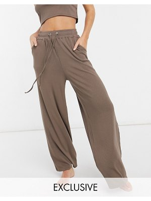Catch exclusive ribbed wide leg pant in brown