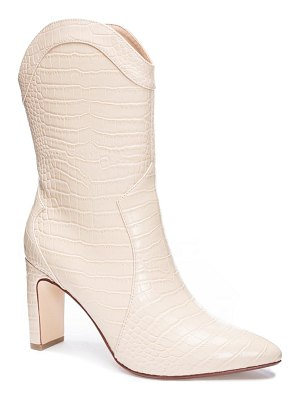 Chinese Laundry everly pointy toe boot