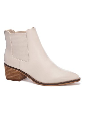 Chinese Laundry friday chelsea boot