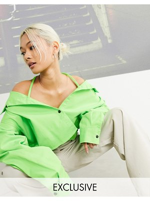Collusion cropped off shoulder shirt in green