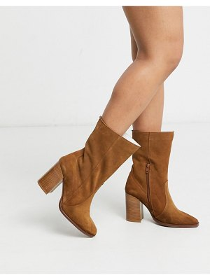 DEPP stacked heeled boots in tan suede