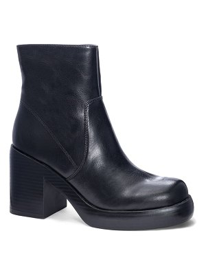 DIRTY LAUNDRY groovy platform boot