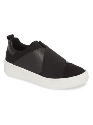 Donald Pliner coley platform slip-on sneaker
