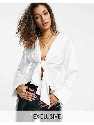 EI8TH HOUR long sleeved plunge front shirt in white