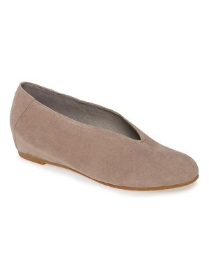 Eileen Fisher patch flat