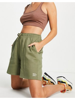 Envii greeweed jersey shorts in green-grey