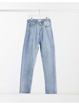 Femme Luxe high-waist denim straight leg jeans in washed blue