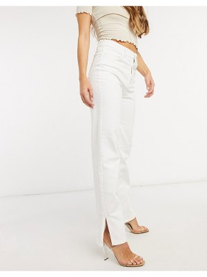 Femme Luxe mid-waist straight leg jean with side slits in white