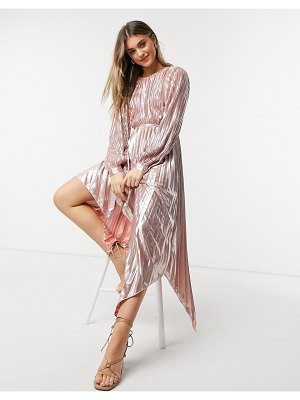 Forever U nique pleated metallic dress with cut out detail in rose gold-pink